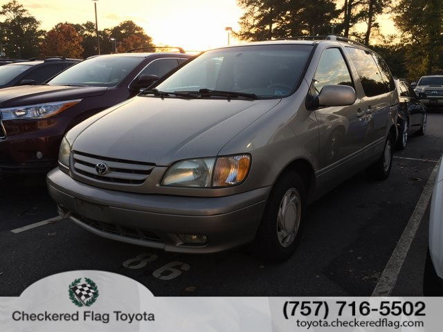 Pre-Owned 2003 Toyota Sienna XLE