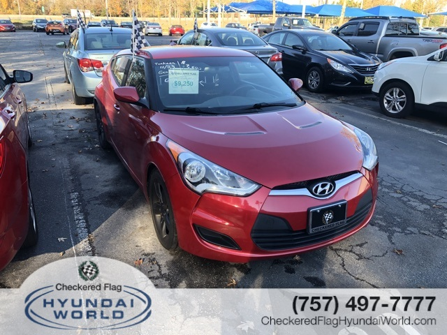Pre-Owned 2014 Hyundai Veloster Base