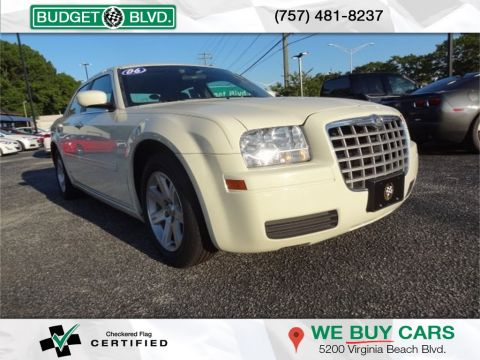 Pre-Owned 2006 Chrysler 300 300